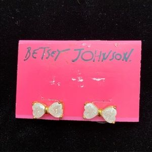 Betsey Johnson White Bow Earrings NWT